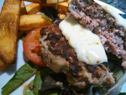 Hamburguesa con mostaza y queso de Arzúa